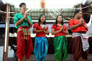 Korat Folk Song  Phlen...